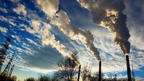 Dưới những tác động của con người, biến đổi khí hậu đang có những diễn biến phức tạp.