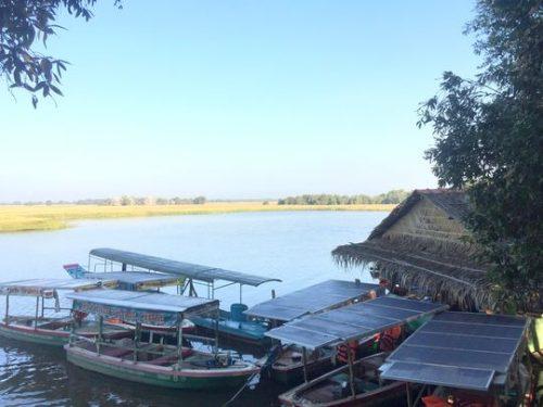 Những chiếc thuyền chạy bằng năng lượng mặt trời không có tiếng ồn và không gây ô nhiễm được WWF-Việt Nam và Công ty Coca Cola trang bị cho Vườn Quốc gia Tràm Chim sẽ được đưa vào sử dụng trong các hoạt động du lịch của vườn để dần dần thay thể các tàu động cơ xăng/dầu ồn ào. (Ảnh:Bình Nguyễn / WWF-Việt Nam)