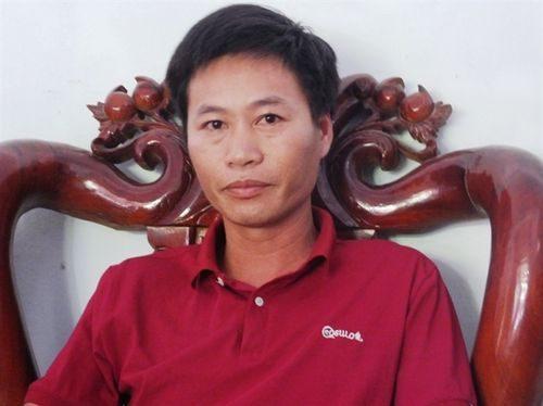Trưởng thôn 1 Hải Phong đại diện cho hơn 415 hộ dân kiến nghị Chính phủ cho đội ngũ y bác sỹ về khám sức khỏe cho người dân vùng bị ảnh hưởng