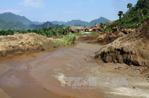 Dừng khai thác tuyển rửa quặng tại mỏ mangan Phúc Sơn
