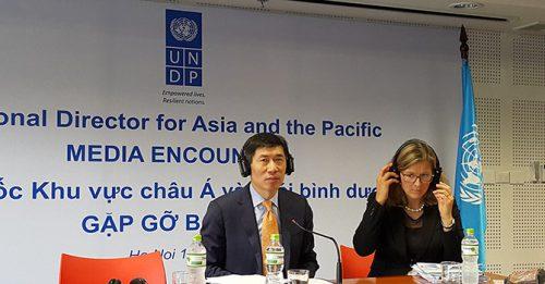 Ông Haoliang Xu (trái), Giám đốc khu vực châu Á và Thái Bình Dương của Chương trình Phát triển Liên Hợp Quốc (UNDP). Ảnh: Minh Tuấn