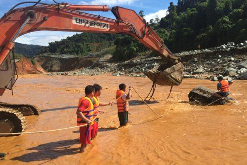 Sự cố vỡ hầm dẫn dòng thủy điện Sông Bung 2 đã gây tổn thất nghiêm trọng về người và tài sản.