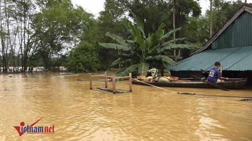 Mưa lớn gây ngập lụt ở Hà Tĩnh vào giữa tháng 10/2016