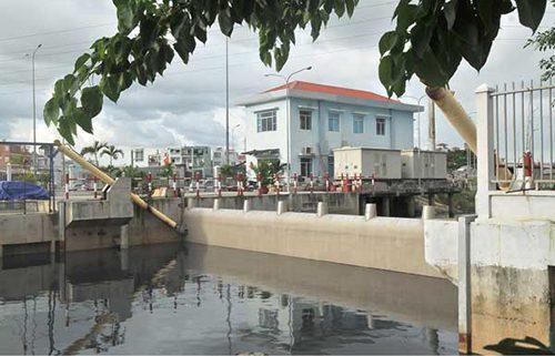 Phay ngăn triều phường 16, quận 8 chống ngập thích ứng với biến đổi khí hậu. Ảnh: Cao Thăng