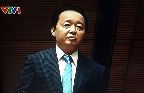 Bộ trưởng Tài nguyên - Môi trường Trần Hồng Hà phát biểu giải trình chiều 2-11 tại Quốc hội