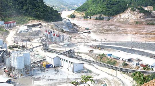 Đập Xayaburi bắt đầu bán điện sang Thái Lan