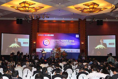GEOTEC HANOI 2013 thu hút sự tham dự của đông đảo chuyên gia, doanh nghiệp