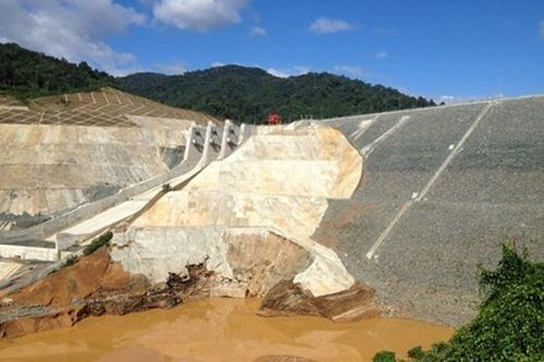 Hầm dẫn dòng thủy điện Sông Bung 2 bị vỡ giữa tháng 9 vừa qua.