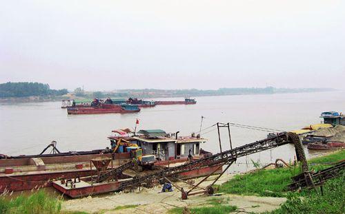 Siết chặt quản lý việc sử dụng bãi sông