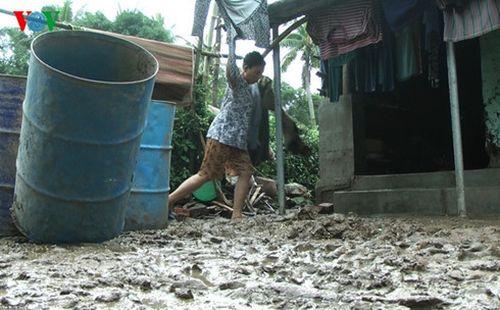 Phú Yên: 5.000 đồng bào dân tộc thiểu số vẫn bị cô lập do mưa lũ