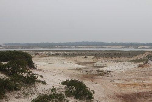 """Hà Tĩnh """"tuýt còi"""" khai thác mỏ sắt lớn nhất Đông Nam Á vì nhiều bất cập"""
