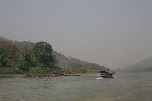 """Từ việc công nhận """"Quyền cho dòng sông"""" nghĩ về sông Mê Kông"""