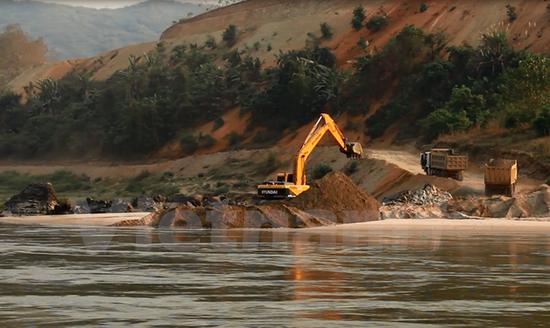 Bài 2: Thủy điện trên dòng chính Mekong ảnh hưởng gì đến vùng hạ lưu?