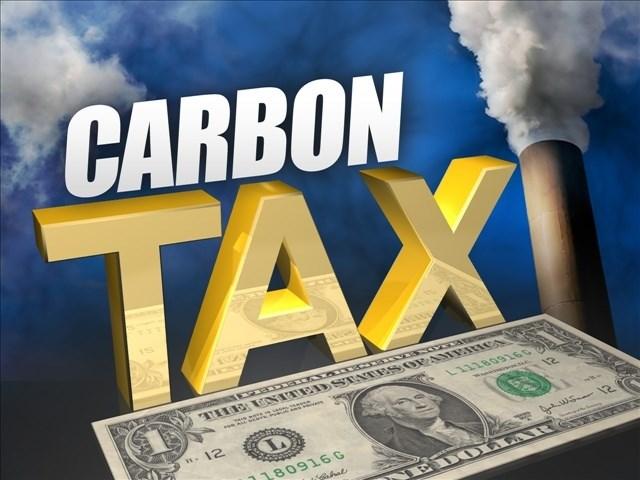 Giới học giả đề xuất tăng thuế carbon lên 100 USD mỗi tấn