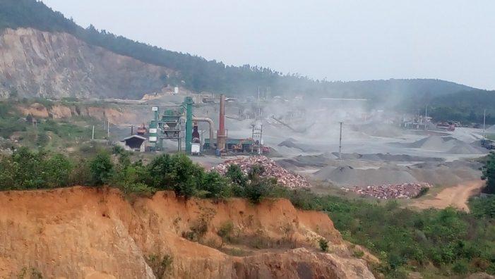 Tam Đảo, Vĩnh Phúc: Kiểm tra việc nổ mìn khai thác đá tại xã Minh Quang