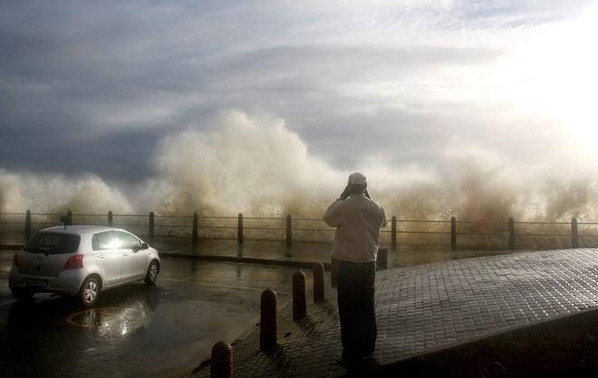 Nam Phi: Bão kinh hoàng đổ bộ vào thành phố du lịch Cape Town