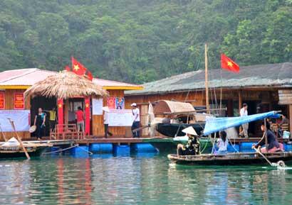 Phát triển bền vững vịnh Hạ Long – Bài 1