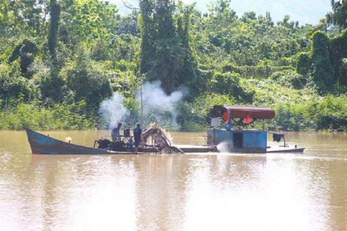 Lâm Đồng yêu cầu Đồng Nai ngưng khai thác cát sông