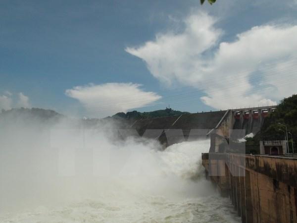 Mở hai cửa xả đáy Thủy điện Tuyên Quang để ứng phó với đợt mưa lớn