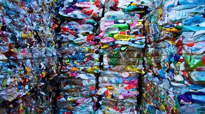 Đốt rác nhựa có phải là ý tưởng hay?