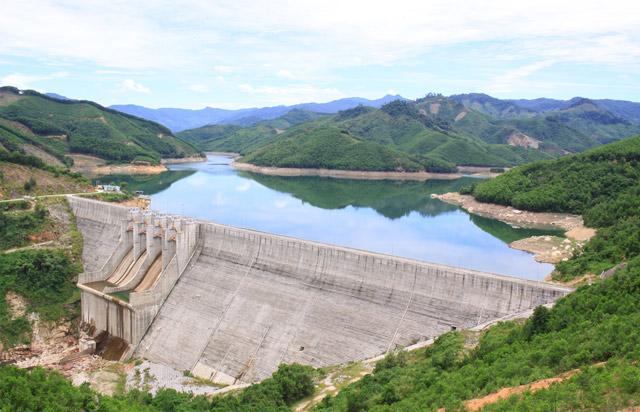 Thủy điện Đakđrinh hoạt động 3 năm vẫn nợ 61 tỷ tiền bồi thường
