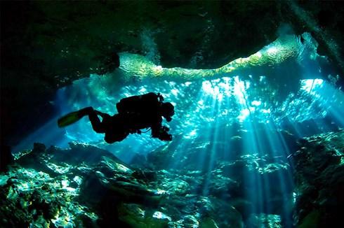 Phát hiện hệ thống hang động dưới nước lớn nhất hành tinh tại Mexico