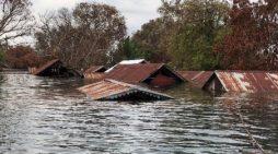Thêm một ngôi làng ở Campuchia chìm dưới đập Hạ Sesan 2
