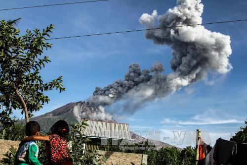 Indonesia: Núi lửa Sinabung phun trào làm tăng nguy cơ cháy rừng và cháy đất than bùn