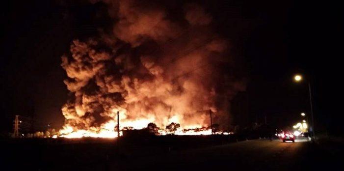 Hải Dương: Khu xử lý rác thải công nghiệp bốc cháy rừng rực suốt đêm