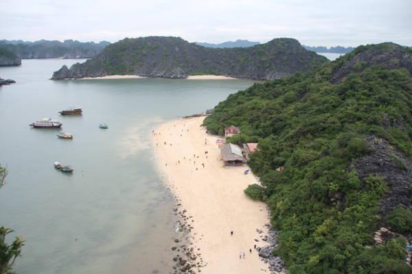 Du lịch biển và hiện trạng bùng nổ các khu nghỉ dưỡng ven biển