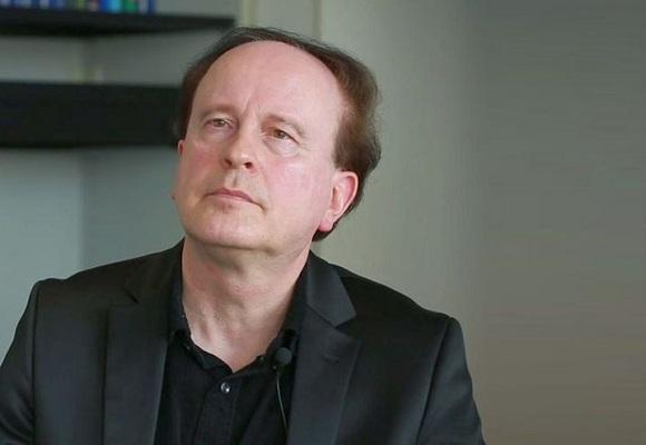 """GS Axel W. Bauer dự báo: Có thể """"thiết kế"""" mọi sinh vật trong phòng thí nghiệm"""