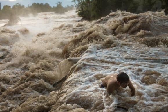 """Các quốc gia sông Mê Kông đang chịu """"án tử"""" từ các đập của Trung Quốc"""