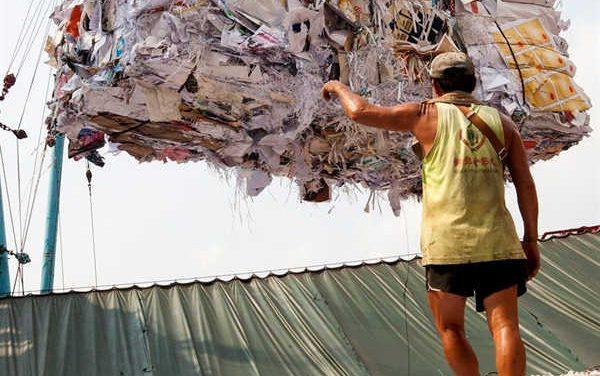 Rác tái chế dịch chuyển từ Trung Quốc sang Đông Nam Á