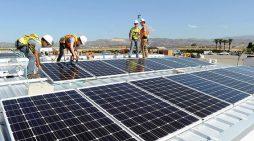 Đầu tư vào năng lượng sạch chậm lại
