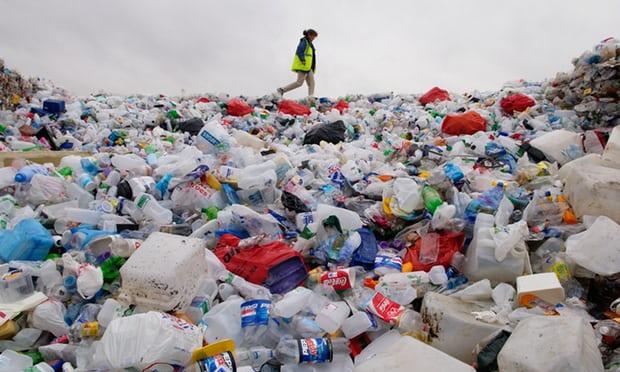 Chọn môi trường hay tăng trưởng ngành nhựa?