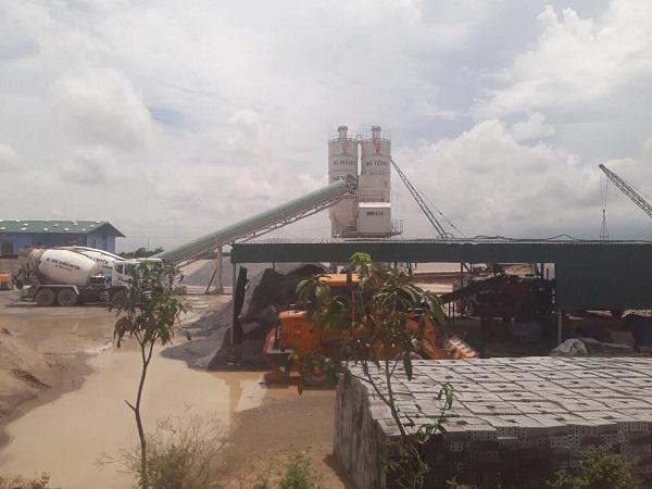 """Thái Bình: Công ty bê tông phá đê, """"đầu độc"""" nguồn nước"""