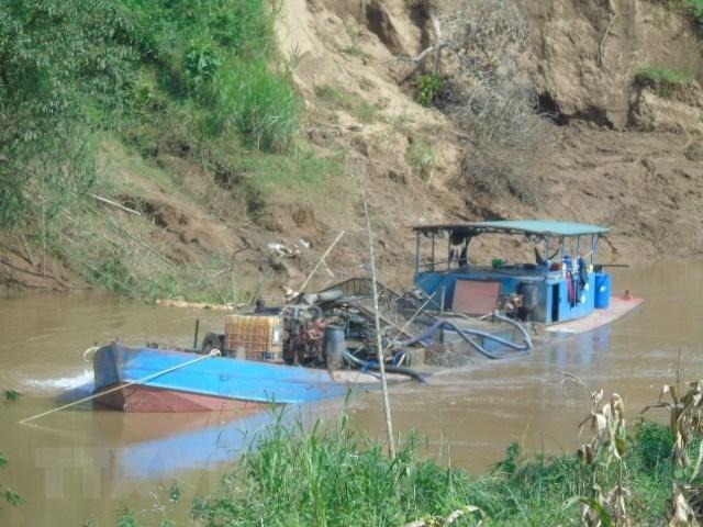 Phát hiện 15 vụ khai thác cát trái phép ở thượng nguồn sông Đồng Nai