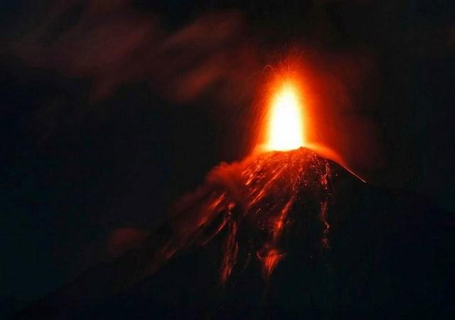 Guatemala ban bố cảnh báo đỏ sau khi núi lửa Furgo phun trào trở lại