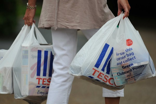 Lượng tiêu thụ túi nilon tại Australia giảm mạnh trong nửa năm qua