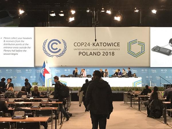 COP24 thách thức ngay từ phút đầu