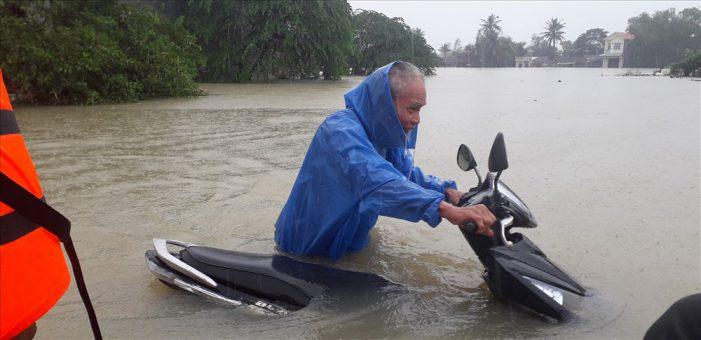Các hồ thuỷ điện cạn kiệt nhưng hạ du lại ngập lụt nặng nề