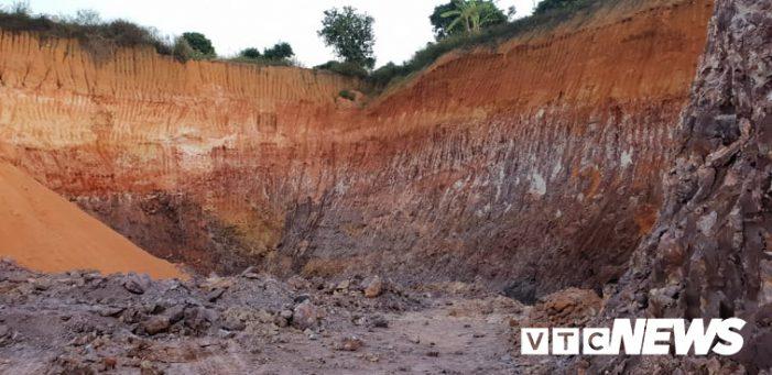 Xẻ đồi tan hoang để bán đất trái phép ở Hải Dương