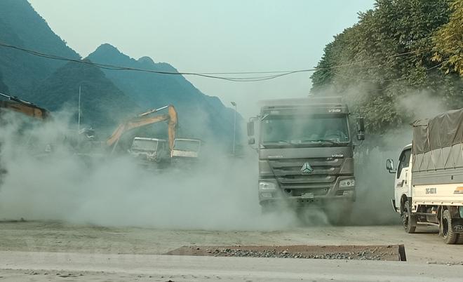 """Những mỏm núi tang thương ở Hòa Bình: """"Oan hồn núi đá"""" vẫn khóc than!"""