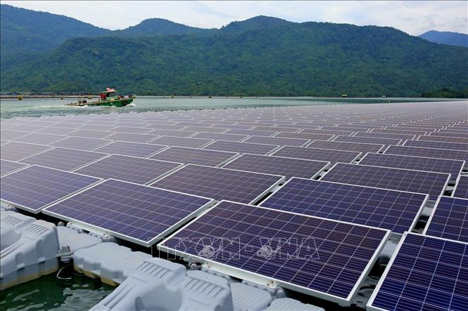 Gỡ khó cho điện mặt trời