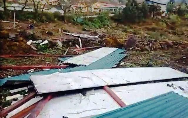 Lốc xoáy và mưa đá gây nhiều thiệt hại ở các tỉnh miền núi phía bắc