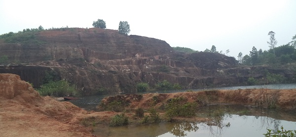 """Nghệ An: Cần thu hồi các mỏ khoáng sản """"treo"""""""