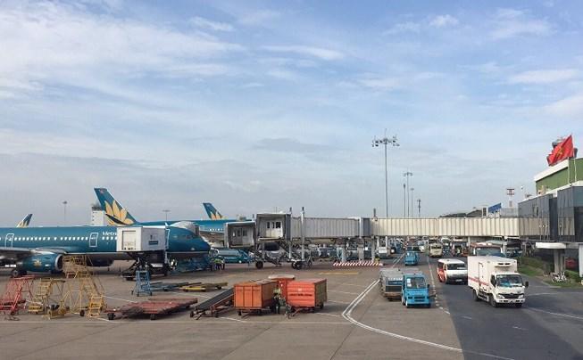 Sống cạnh sân bay chịu cảnh ô nhiễm khí thải, tiếng ồn máy bay