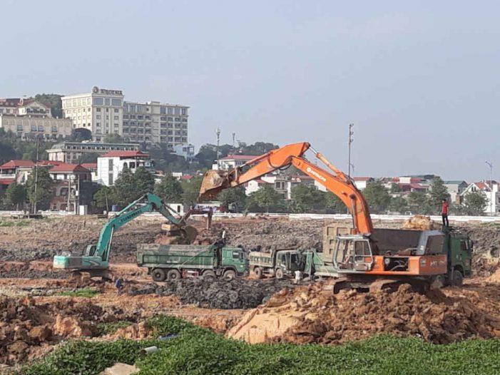 """Bắc Ninh: Lợi dụng cải tạo hồ, ngang nhiên """"đánh cắp"""" khoáng sản?"""