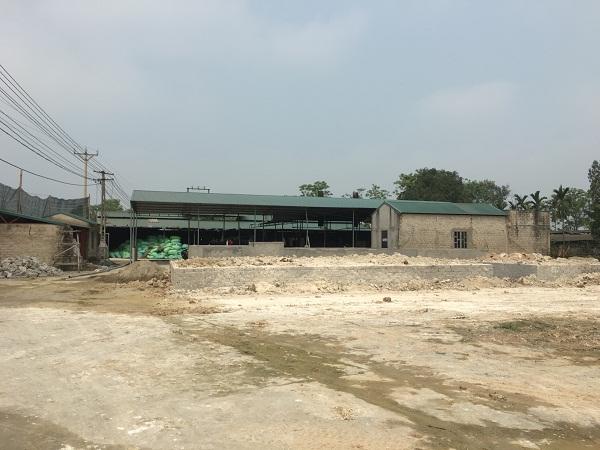 """Triệu Sơn (Thanh Hóa): """"Xẻ thịt"""" hàng nghìn mét vuông xây dựng xưởng sản xuất hạt nhựa trái phép, gây ô nhiễm môi trường"""