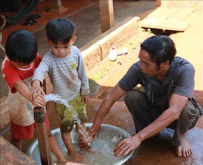Nắng nóng kéo dài gây thiếu nước sinh hoạt, sản xuất ở Bù Gia Mập